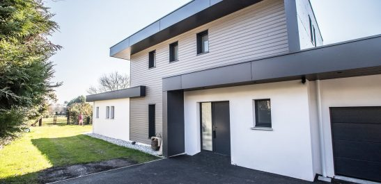 Minco_façade villa contemporaine_bois-alu