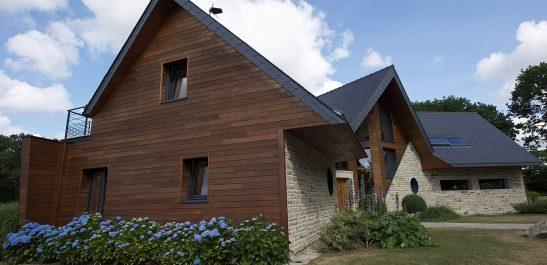 Minco_maison-pierre_façade-bois_bois-alu