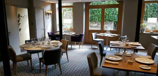 Minco_salle-de-restaurant_portes-fenêtres-imposte-cintré_bois-alu